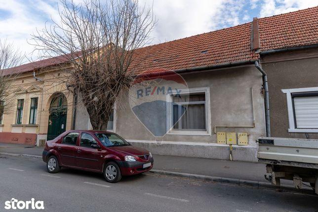 Casă / Vilă cu 5 camere de vânzare în zona Ultracentral