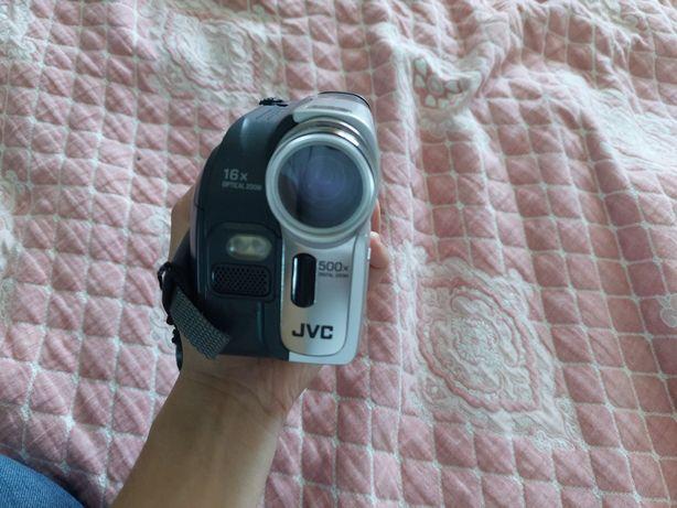 Камера Jvc 16×optical zoom.