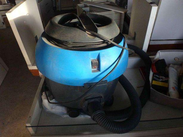 Aspirator profesional Ecolab Floormatic Blue Vac