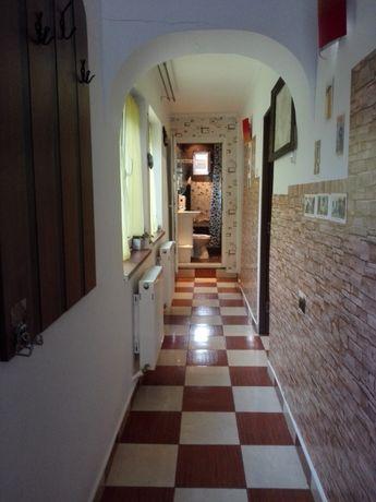 Piata Giulesti-sect 1 casa  3camere ,placa beton,pod mansardabil