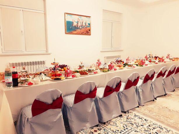Аренда столы и стулья с посудой