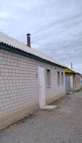 Срочно продам 3 дома район малышка двор общий