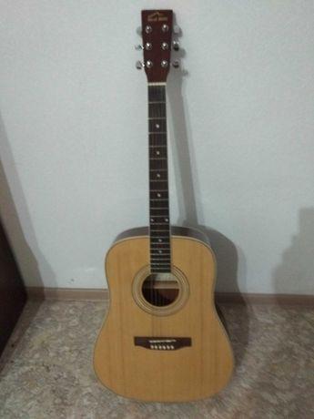 Продам акустическую гитару Red Hill W160N срочно