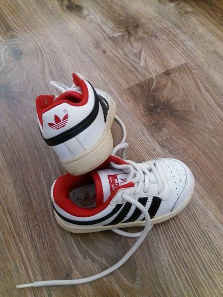 Оригинални маратонки Adidas 21