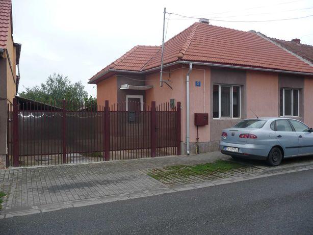 Vand Casa 5 camere 6 locuri parcare aproape de Str.Musicescu