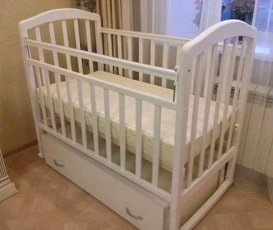 Кровать детская (колыбельная)