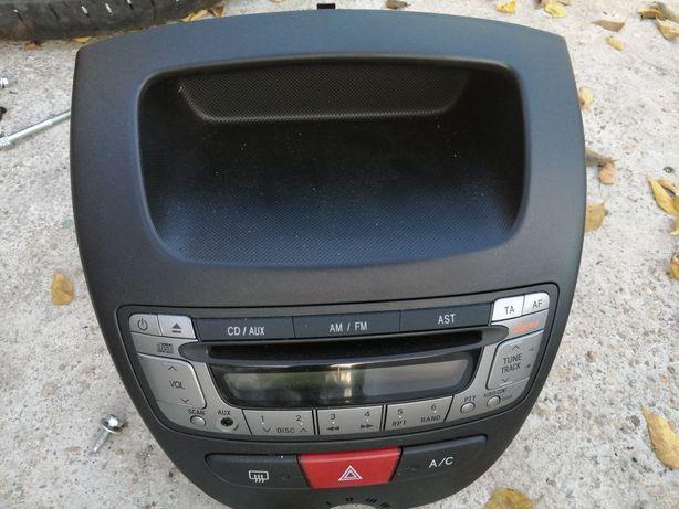 Vând cd player toyota aygo 2010