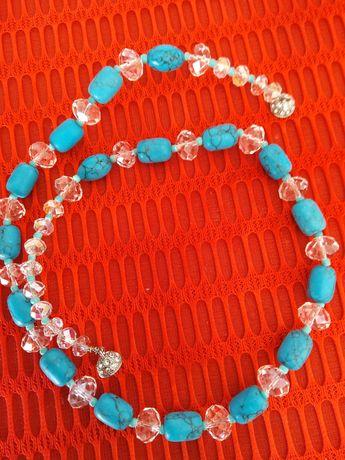 Colier creat  din piatra de turcoaz si cristale