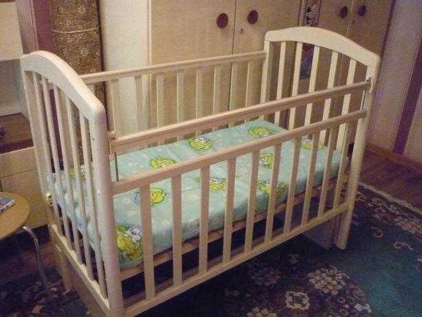 Детская кровать с матрасом, производства Россия. Бортики в подарок.