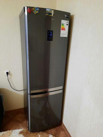Продаются холодильник  самсунг