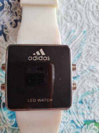 Часовник Adidas led watch
