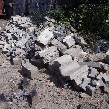 Borduri din demolari