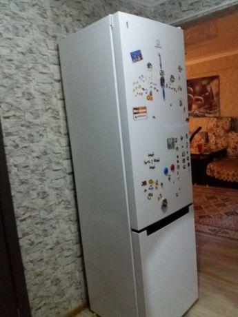 Продам холодильник Индезит, за 65тыс.