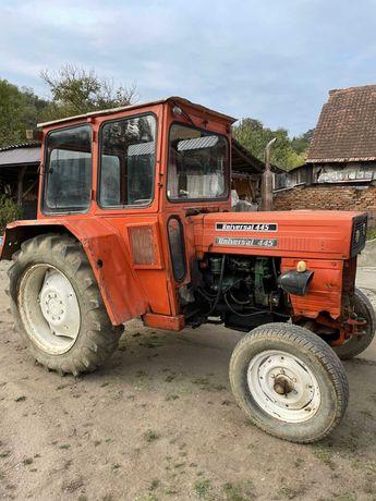 Tractor UTB 45 + plug si remorca