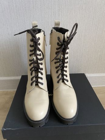 Демисезонние ботиночки Massimo dutti