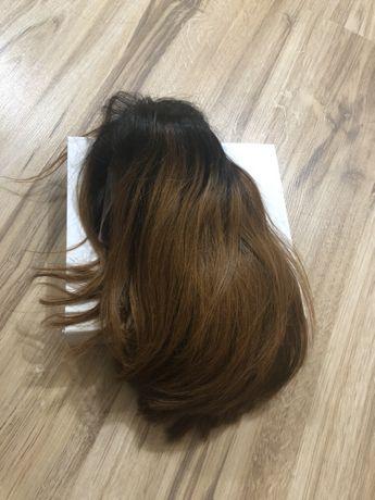 Perucă din păr natural