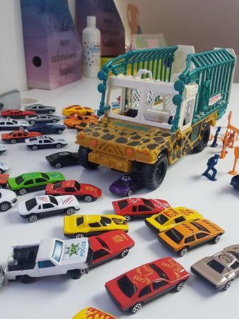 Camion de jucarie, mașinuțe