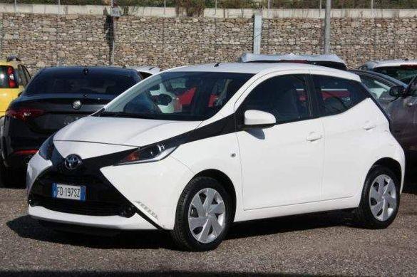 Toyota Aygo 1.0 на части .Автомобилът е произведен 2016г