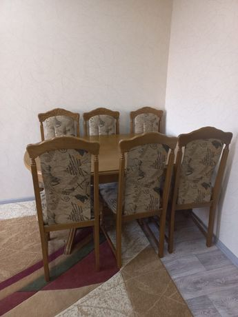 Продам гостинный стол