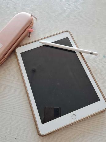 Продам iPad 2018, 9,7 диагональ, 32 ГБ,  Apple Pencil в комплекте