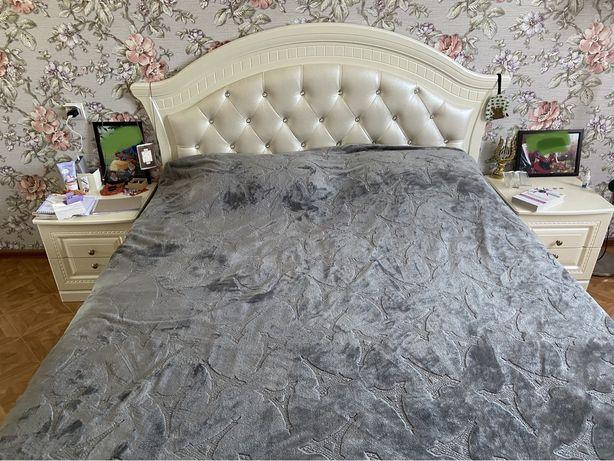 Кровать + матрац + 2 тумбы ( Беларуссия)