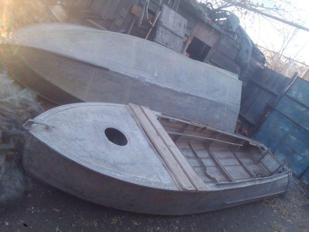 Лодки Казанки 2штуки с моторами
