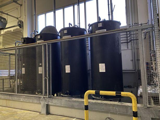 Rezervoare plastice pentru industrie chimicale .