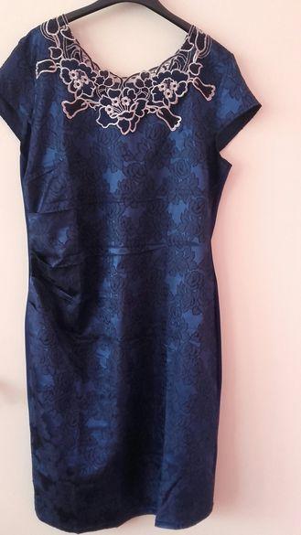 Официална рокля в синьо