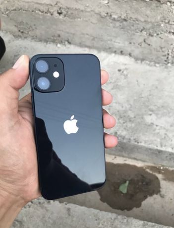 Продам срочно. Iphone 12mini.