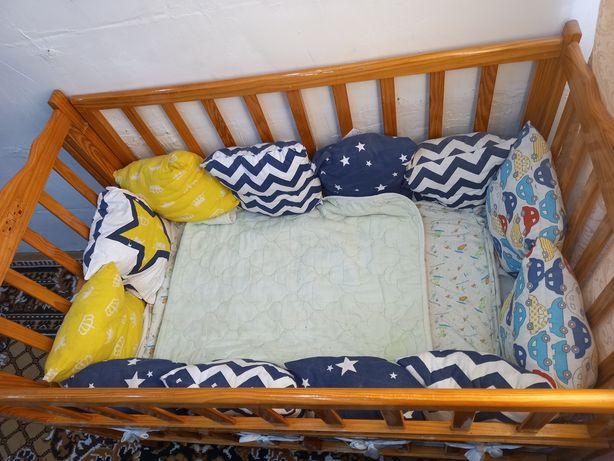 Продам детскую кроватку с бортиками