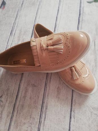 Pantofi ca noi!! 39