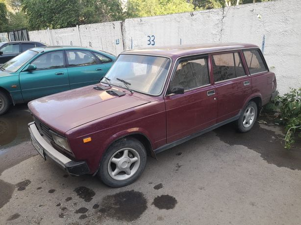 Машина Ваз-21074