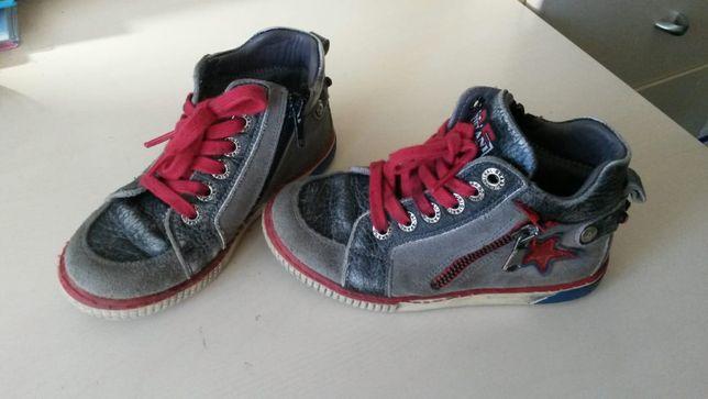 Продам ботинки 28 размер