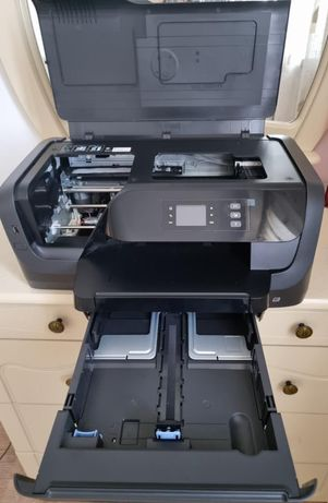 Продам принтер  HP LaserJet Pro 8210