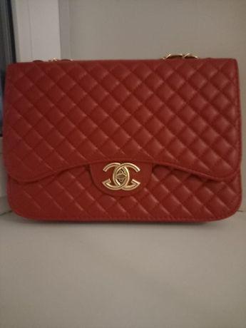 Сумка Chanel Красного цвета