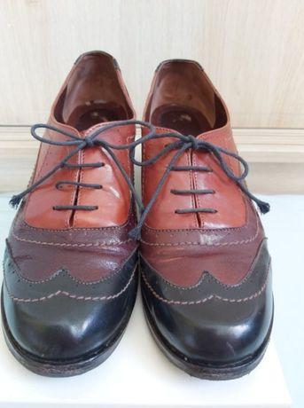 Дамски кожени обувки; винтидж броги, сега 65лв