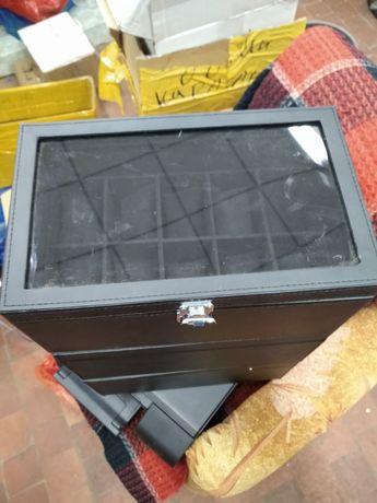 Шкатулка органайзер для часов. На 10 штук