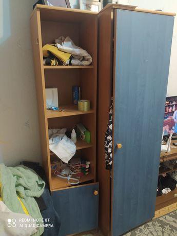Шкафчик для спальни и в кухню. Б/у. За все 5 тыс. Состояние удов.