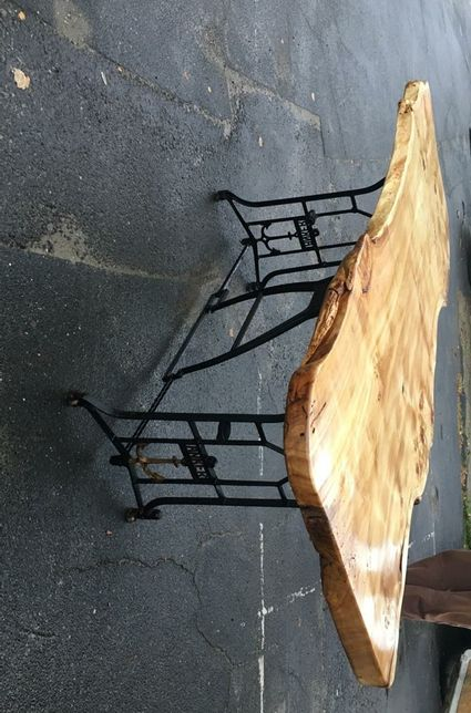 Masă din lemn masiv