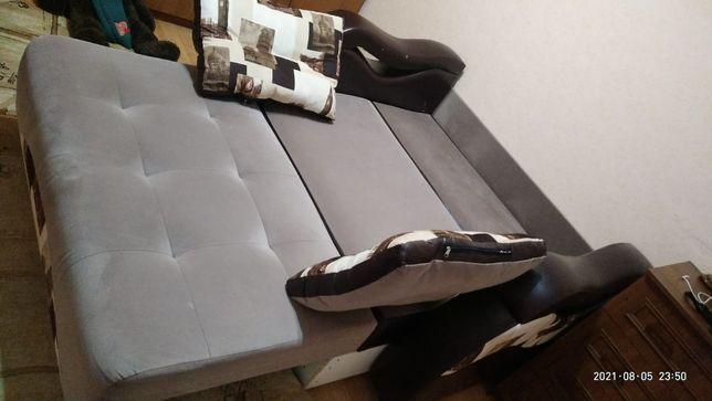 Мягкое мебель, в хорошем состоянии