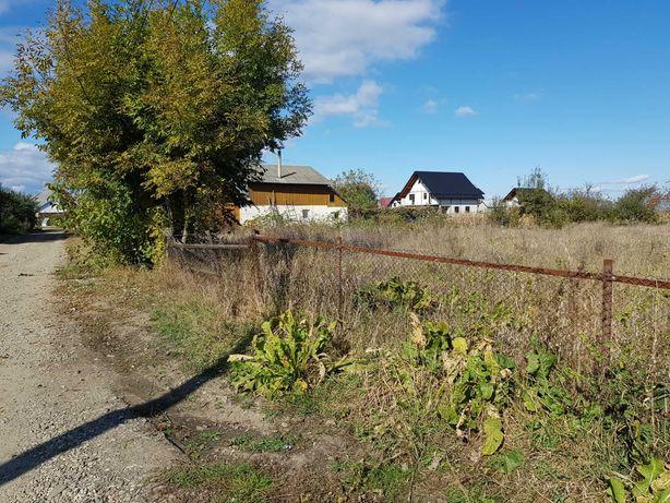 teren aflat intr-o locatie linistita aproape de centru