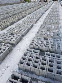 Boltari fabricati din beton Vibropresati
