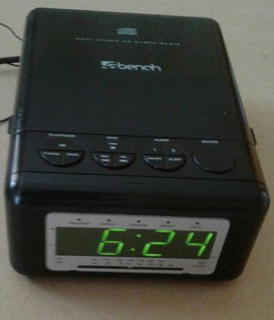 CD-Радио с часовник и две аларми Bench KH 2253