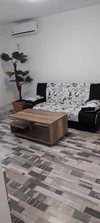 Închiriez apartament cu trei camere zona (Tomis Nord)