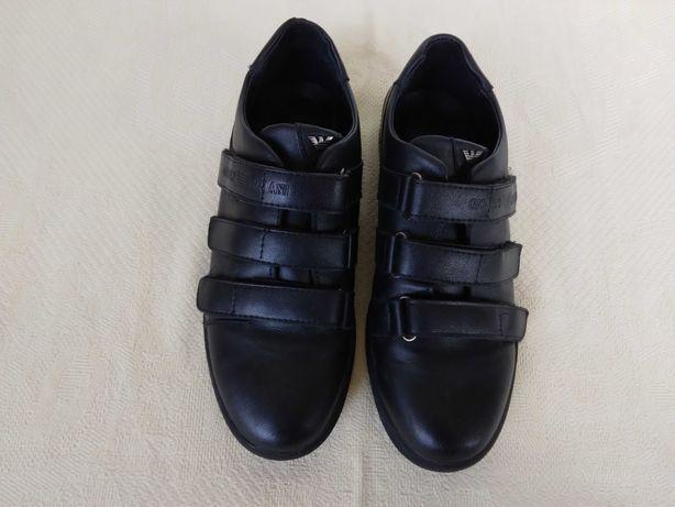 Ботинки-туфли. Черного цвета. Размер-38. Идеальное состояние.