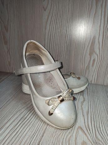 Школьные туфли 30рр
