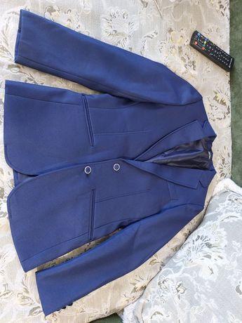 Продам школьный пиджак Турция