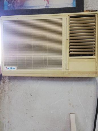 Продавам прозоречен климатик и  конвектори за парно и котел с горелка