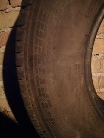 Продавам летни гуми втора ръка за джип.