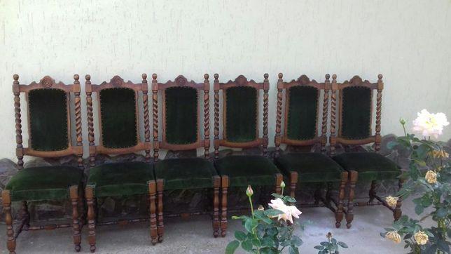 Vand set masa si scaune boieresti